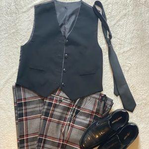 Bigger boys Boys reversable vest black or grey